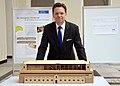2015-04-13 Ausstellung Bachelorarbeiten Königlicher Pferdestall an der Leibniz Universität Hannover, (44) Uni-Präsident-Professor Volker Epping.JPG