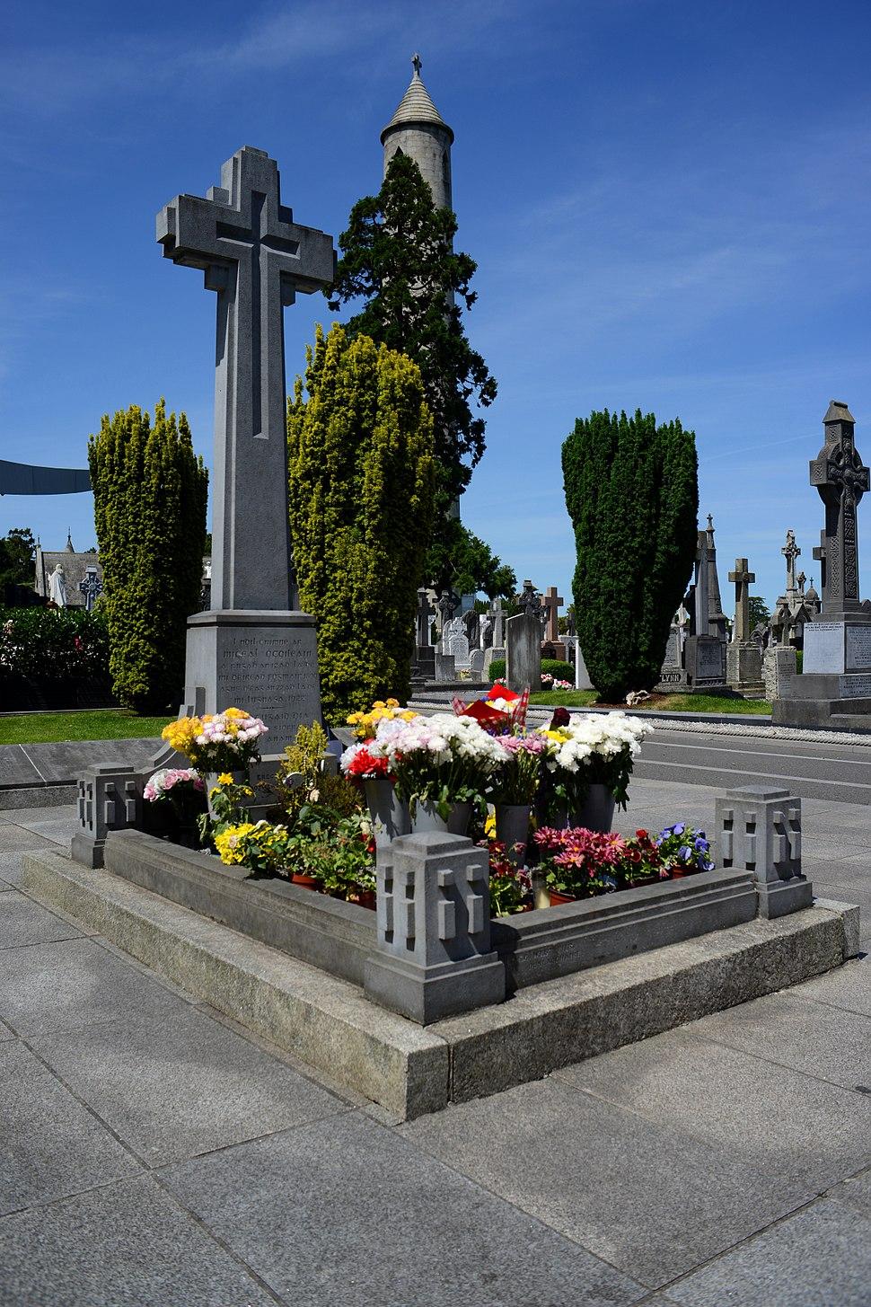 2017-06-20 4904x7356 dublin glasnevin cemetery michael collins grave