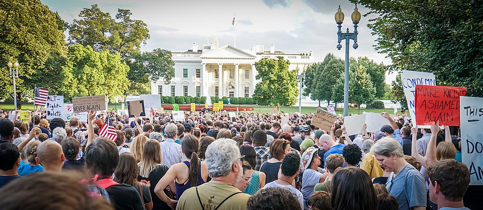 2017.08.13 Charlottesville Candlelight Vigil, Washington, DC USA 8050 (36386558312)