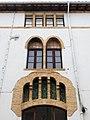 201 Antigues escoles, la Placeta 6-8 (Alpens), detall de la façana.jpg