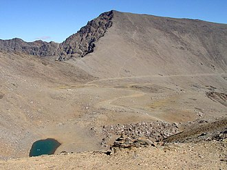 Mulhacén - Image: 2412mulhacen From Punta de Loma Pelada