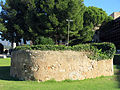 513 Castell de la Suda (Tortosa), cisterna al pati d'armes.JPG