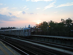 52nd Street (IRT Flushing Line) - Image: 52nd Street Lincoln Avenue