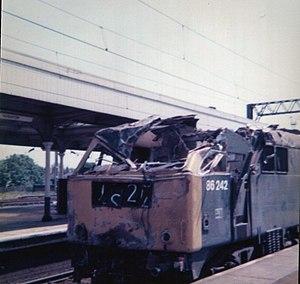 Nuneaton rail crash - Image: 86242 after Nuneaton (3)