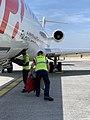 Aéroport Lyon Saint-Exupéry descente des bagages d'un vol HOP Prague-Lyon.jpg