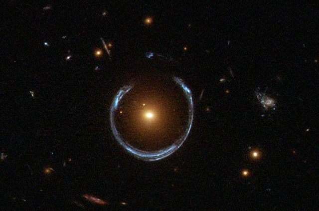 640px-A_Horseshoe_Einstein_Ring_from_Hubble.JPG