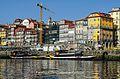 A Ribeira de Oporto desde el rio Douro (15428750794).jpg