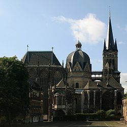 Aachen Cathedral from north.jpg