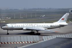 Aeroflot Tu-104B CCCP-42403 LBG 1974-8-2.png