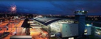 Juan Santamaría International Airport - Image: Aeropuerto Juan Santamaria terminal internacional