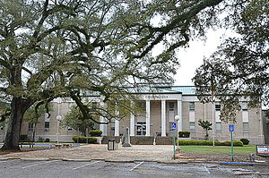 Geneva, Alabama - The Geneva County Courthouse in Geneva