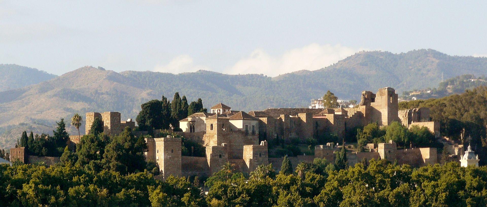 Alcazaba de Málaga desde el puerto.JPG