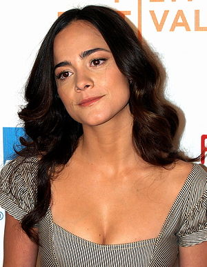 Alice Braga at the premiere of Redbelt at the ...