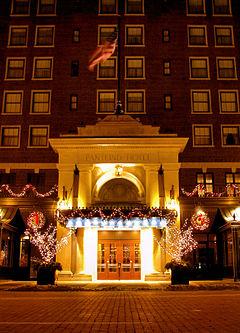 Grand Rapids Hotels Near The Pyramid Scheme