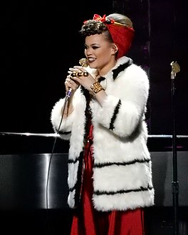 Andra Day at Radio City Music Hall, March 2016.jpg