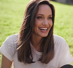 Angelina Jolie - In The Bag, Vogue Taiwan 03.jpg