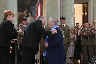 Anna Walentynowicz - President Lech Kaczyński decorates Anna Walentynowicz (3 May 2006)