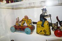 Antique wind-up toys (26621841443).jpg