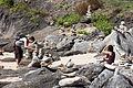 Apilamentos de pedras realizado polos visitantes ao Castro de Baroña. Porto do Son. Galiza 317.jpg