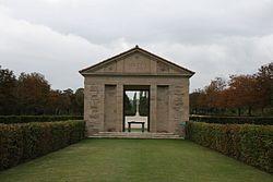 Arezzo War Cemetery 01.jpg