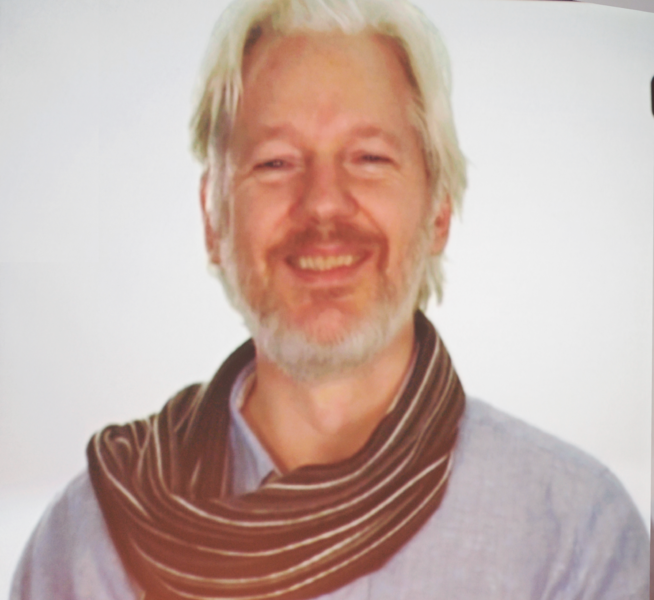 File:Assange 03 cropped.png
