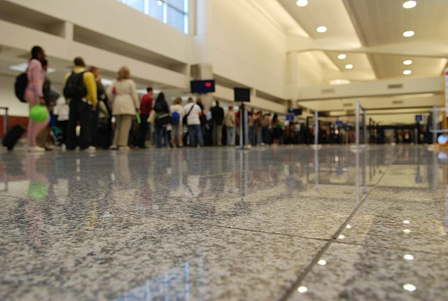 Airport security line By Josh Hallett from Winter Haven, FL, USA (Atlanta Security Line) [CC BY 2.0 (https://creativecommons.org/licenses/by/2.0)], via Wikimedia Commons