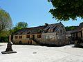 Auriac-du-Périgord place (1).JPG