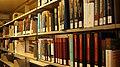 Bücherregale in der Bayerischen Staatsbibliothek 08.jpg