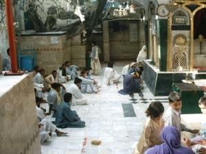 Bibi Pak Daman - Image: B Bi Pak Daman June 5 2004 (7)