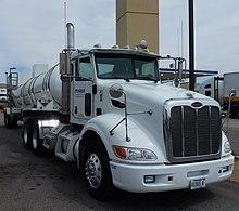 Bakersfield, (CA) Trucks Peterbilt at Flying J Travel (1).jpg