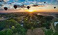 Balloons over Bagan (14706605437).jpg