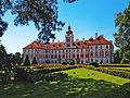 Barokní (původně renesanční) zámek Mnichovo Hradiště.JPG