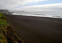 Beach at Vik in iceland 2.JPG