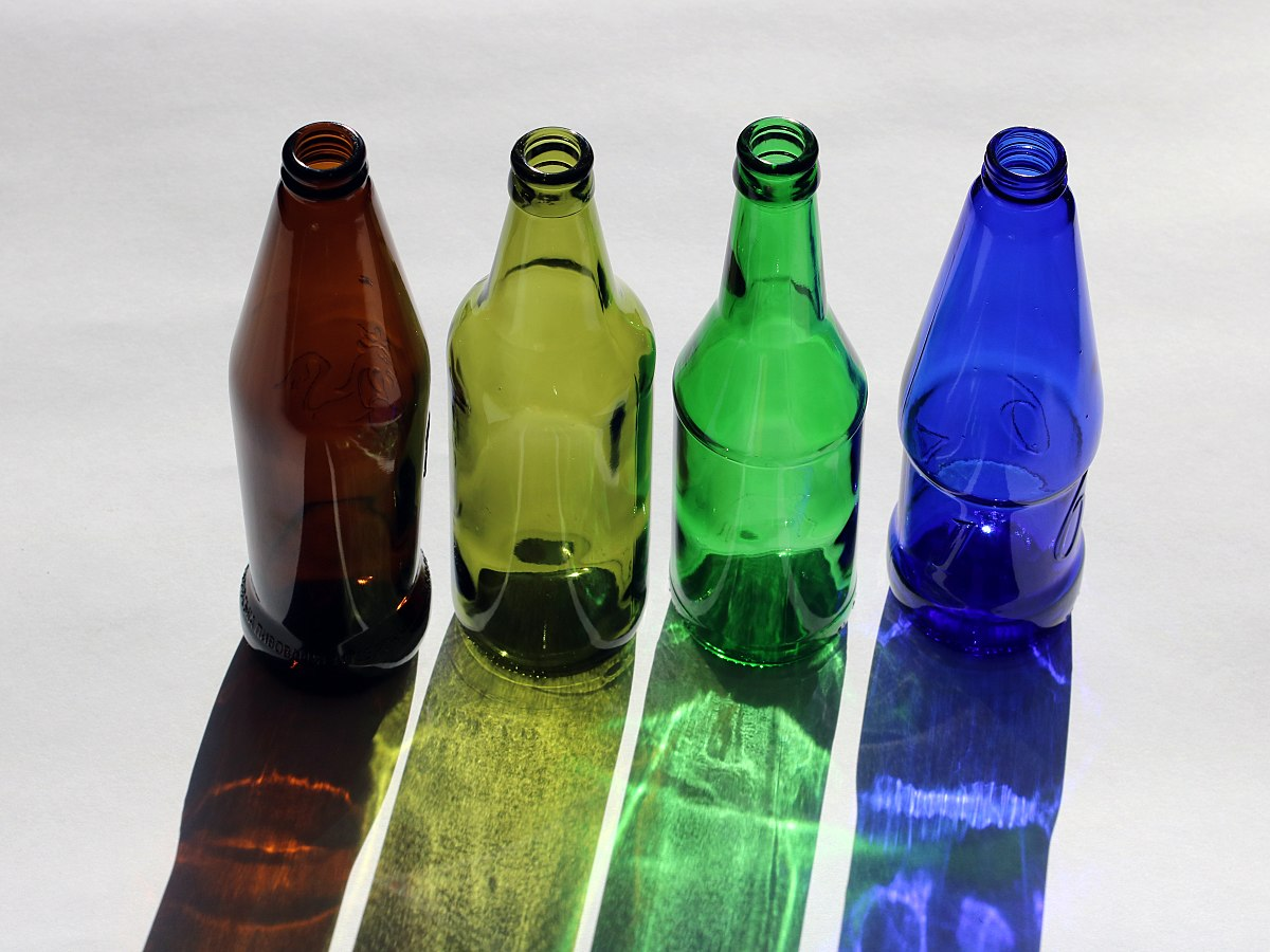 Glass coloring and color marking - Wikipedia