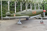 Bell P-63A Kingcobra '444011 - 08 red' (38035996374).jpg