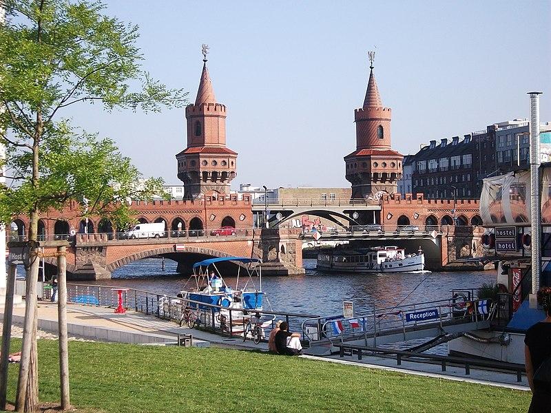 Berlin Oberbaumbruecke 2.jpg