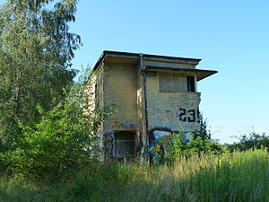 Teltow railway station - Former Tls signalbox at the junction to the Großbeeren auxiliary marshalling yard