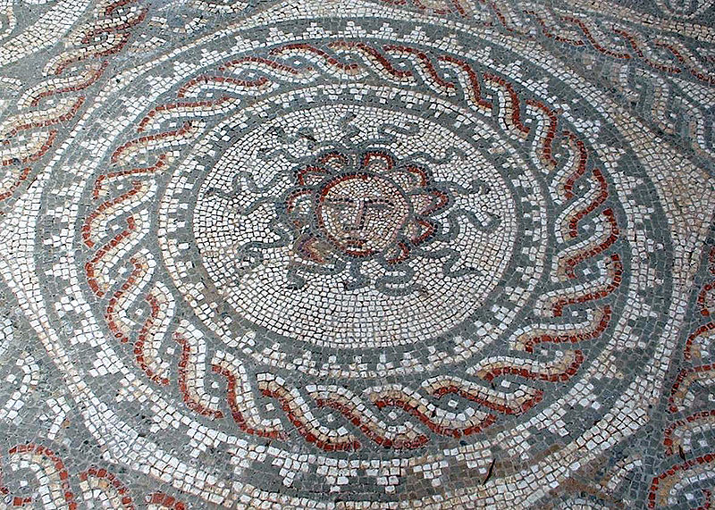 File:Bignor Villa Mosaic Medusa retouched.jpg