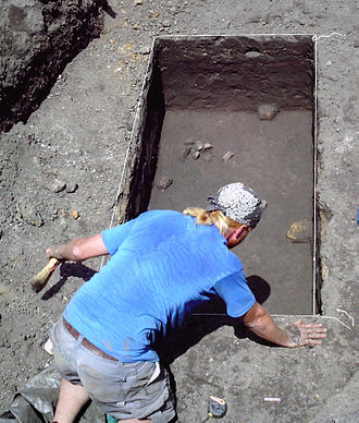 Des Moines, Iowa - Excavation of the prehistoric component of the Bird's Run Site in Des Moines
