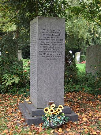 Birgenair Flight 301 - Memorial for the victims of Birgenair Flight 301 in Frankfurt's main cemetery
