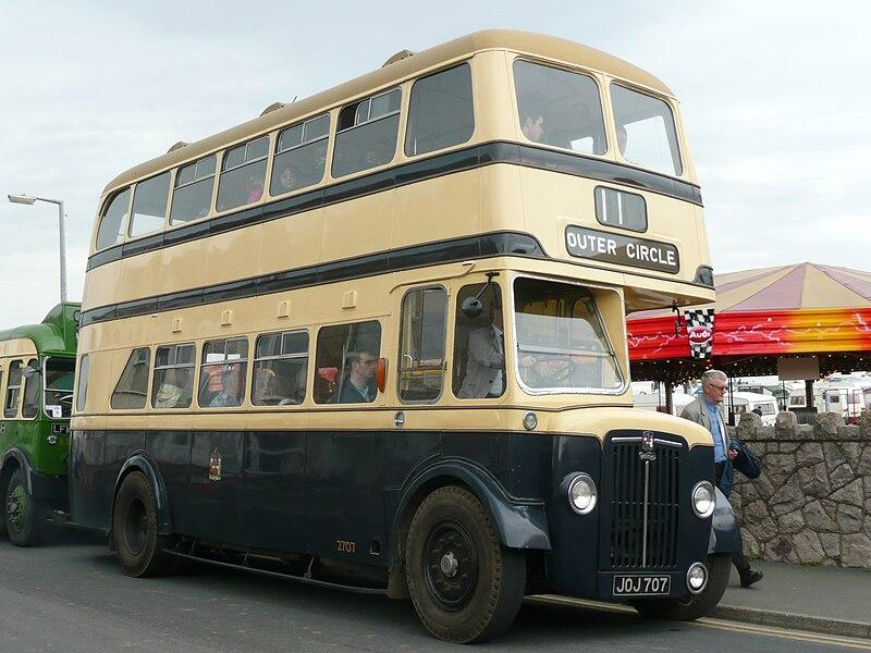 Le compte est bon - Page 3 800px-Birmingham_City_Transport_bus_2707_%28JOJ_707%29%2C_2008_Llandudno_Transport_Festival_%282%29