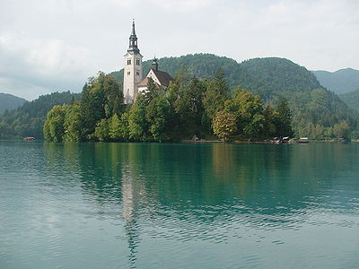 Slika:Bled island with church01.JPG