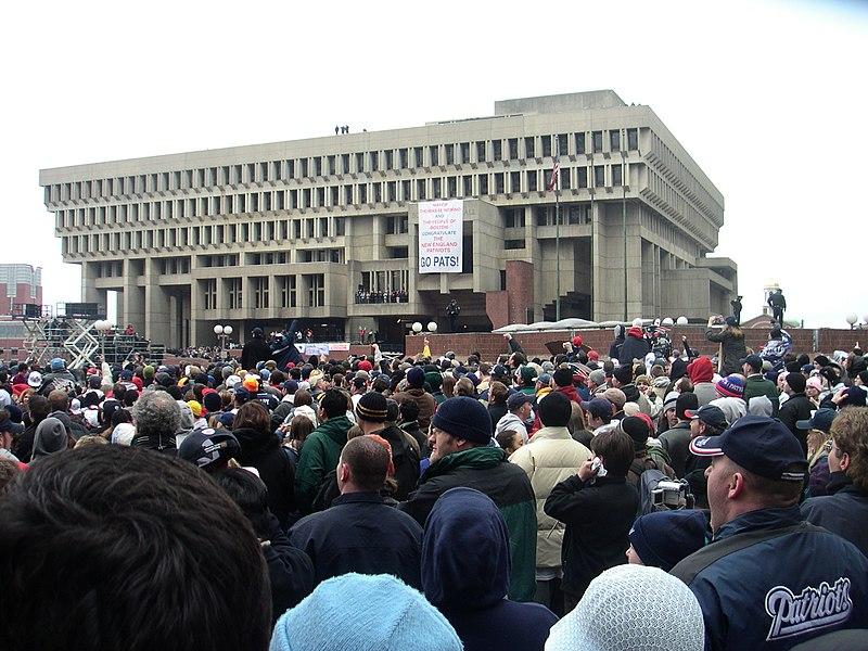 http://upload.wikimedia.org/wikipedia/commons/thumb/1/11/BostonCityhall.jpg/800px-BostonCityhall.jpg