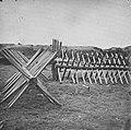 Brady, Mathew B. - Cheve-de-frese Front der Konföderierten bei Petersburg – Mahone (Zeno Fotografie).jpg