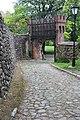 Brama-wejście na teren zamku joannitów.jpg