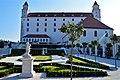 Bratislavský hrad pohľad z barokovej záhrady.jpg