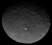 Bright spots on Ceres 4 May 2015 by Dawn (RC3 orbit).png