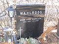 Bror Wahlroos's grave 2010.jpg