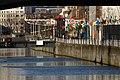 Brusel, Větrníky na nábřeží kanálu.jpg