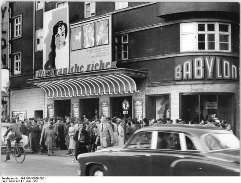"""File:Bundesarchiv Bild 183-56030-0001, Berlin, Luxemburgplatz, Kino """"Babylon"""".jpg"""